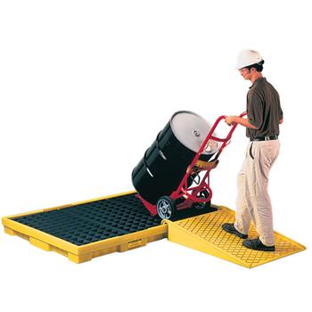 Low Profile 6-Drum Spill Containment Pallet
